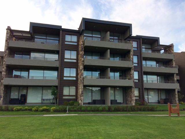 Pucon vendo departamento condominio costa pucon, 3 dormitorios 2 baños, estacionamiento, bodega