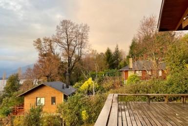 Pucon vendo terreno con 2 casa y quincho espectacular vista al lago